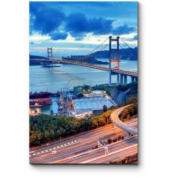 Великолепный вид на знаменитый мост Гонконга