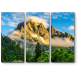 Горные вершины в туманном ландшафте