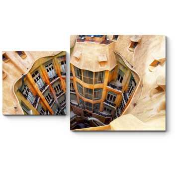 Модульная картина Барселонский дом-колодец