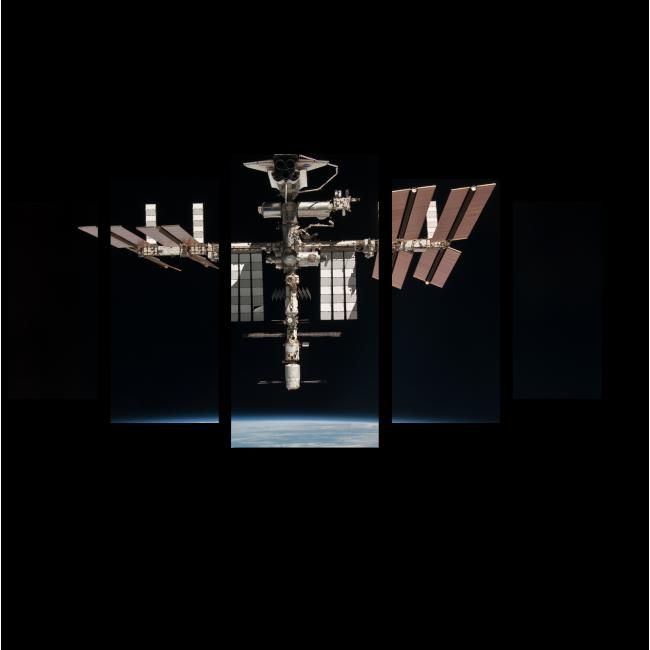 Модульная картина Далекий спутник