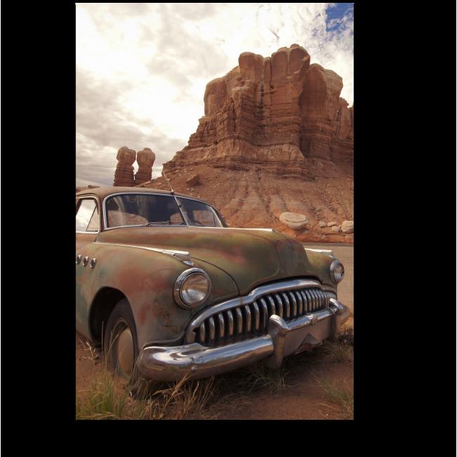 Модульная картина Винтажная машина в пустыне