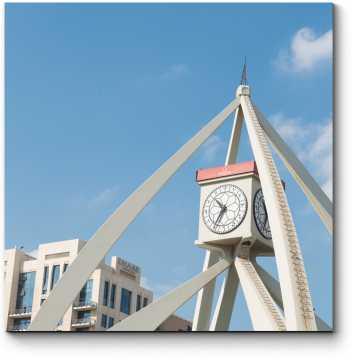 Часы белоснежного Дубая
