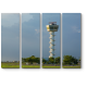 Башня на фоне летнего неба