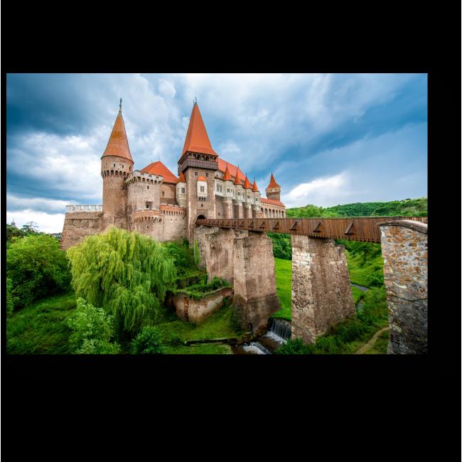 Модульная картина Замок Корвин в пасмурную погоду