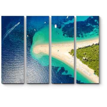 Над песчанным пляжем