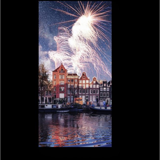 Модульная картина Яркий фейерверк в ночном небе Амстердама