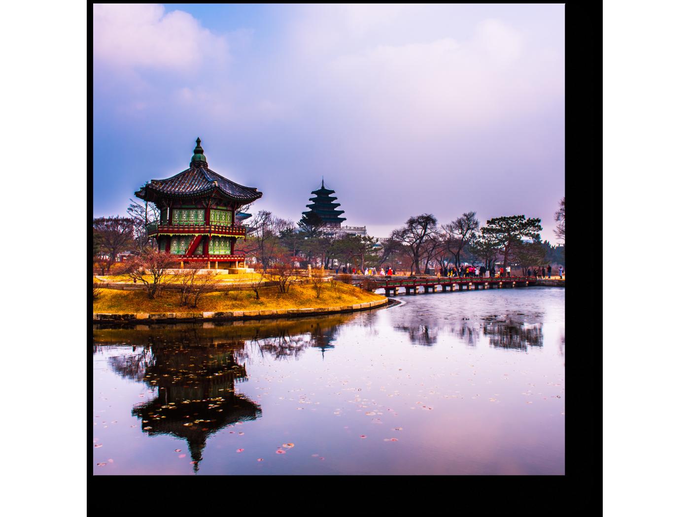 Модульная картина Дворцовый комплекс Кёнбоккун зимой, Сеул (20x20) фото