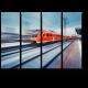 Высокоскоростной красный пассажирский пригородный поезд