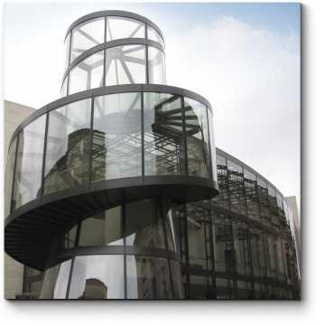 Лестница за стеклом