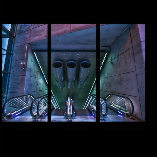 Модульная картина Современный эскалатор в метро