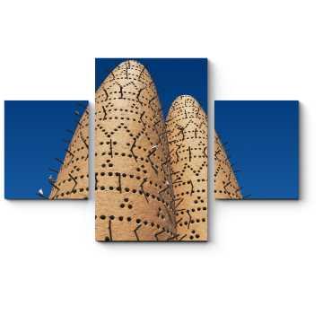 Голуби на башне в Катаре