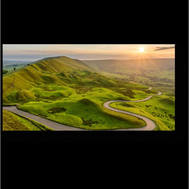 Модульная картина Извилистая дорога вдоль зеленых полей
