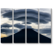 Линейные облака над горой