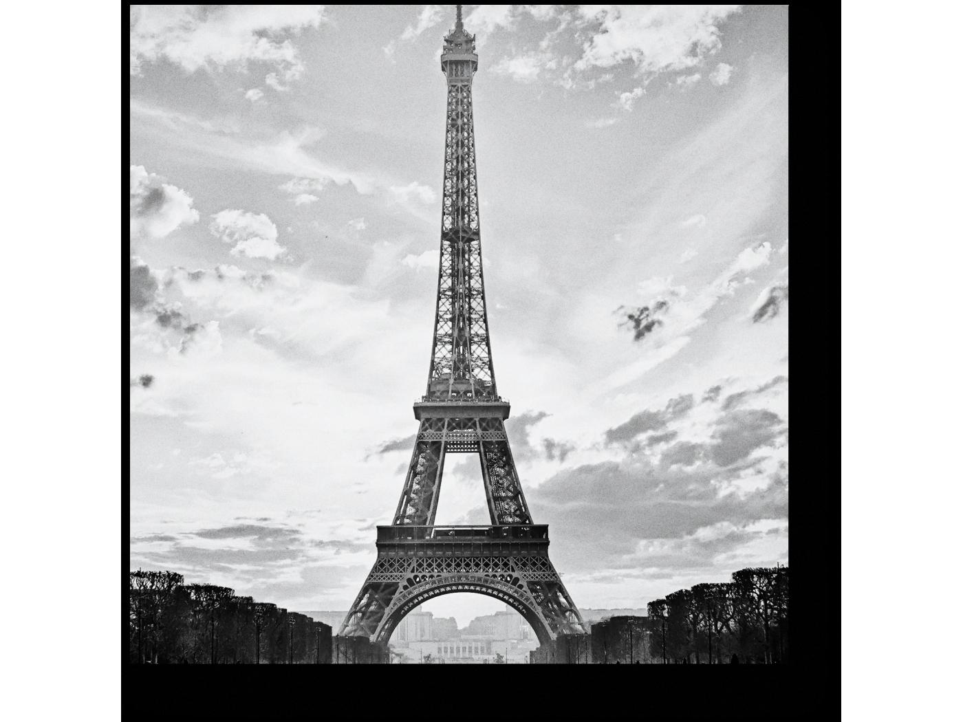 Поздравлениями, эйфелева башня картинки черно-белые
