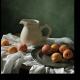 Натюрморт с сочными абрикосами