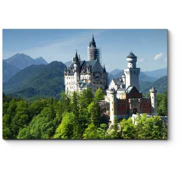 Замок Нойшванштайн в Альпах