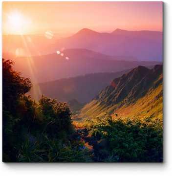 Летний пейзаж в горах на рассвете