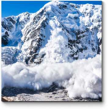 Сход снега в горах Кавказа
