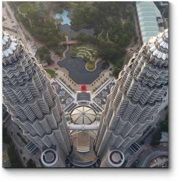Над верхушками башен Петронас, Куала-Лумпур