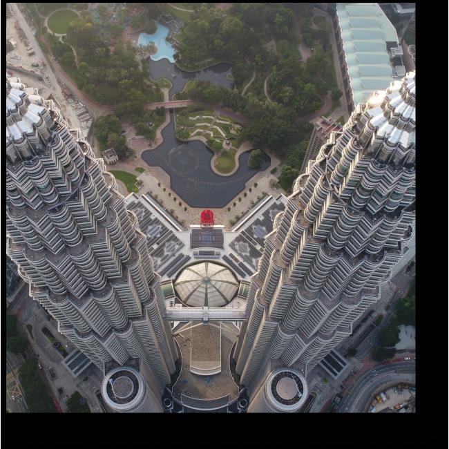 Модульная картина Над верхушками башен Петронас, Куала-Лумпур