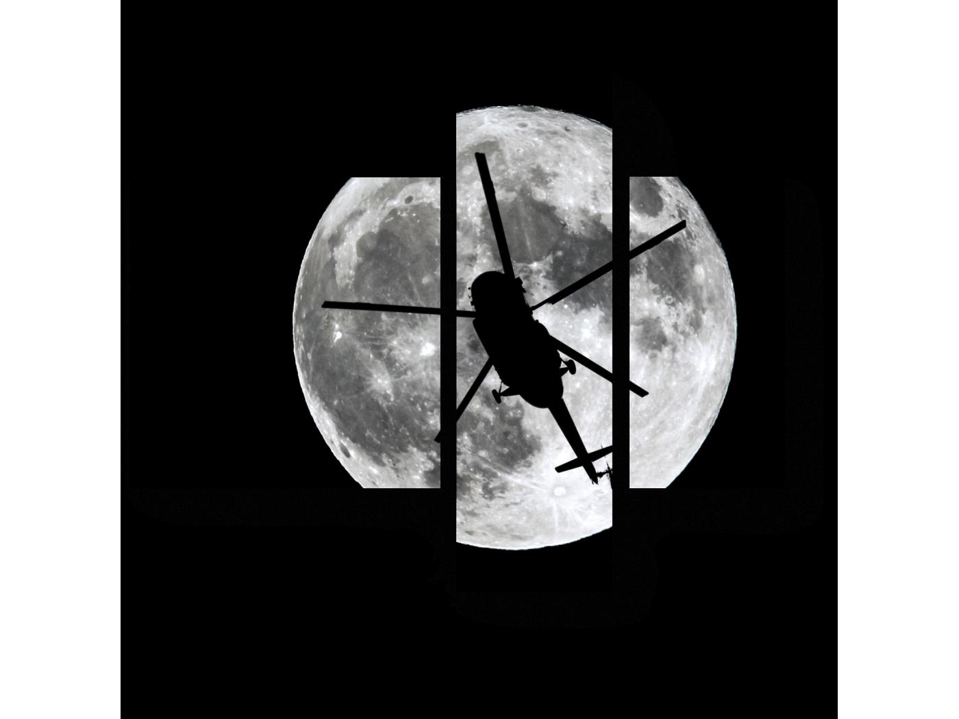 Модульная картина Силуэт вертолета на фоне луны (80x66) фото