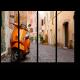 Старые улицы города с мотоциклом в Риме