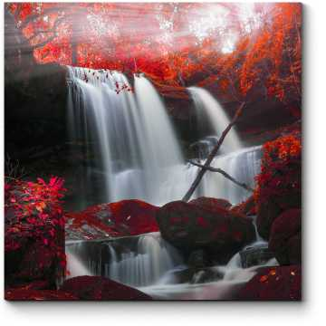 Осенний водопад в Таиланде