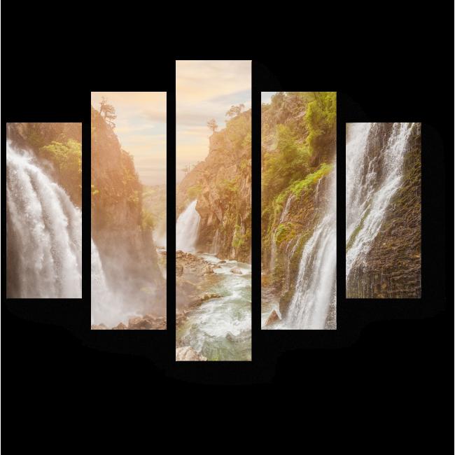 Модульная картина Водопад в горном лесу под большим небом