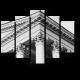Изысканные колонны здания суда
