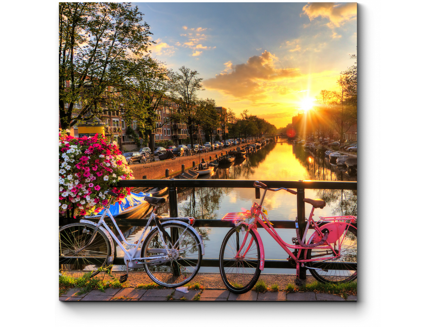 Прекрасный закат в Амстердаме