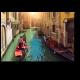 Канал с гондолами в Венеции