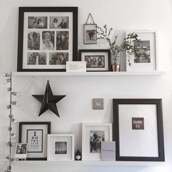 рамки и полки на белой стене